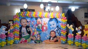 Backdrop balloon decoration.